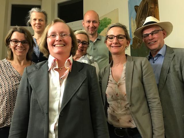 Vorstand (v.l.): Frau Olbrich, Frau Foerste, Frau Knecht (Vorsitzende), Frau Proch, Herr Bettmer, Frau Eyben, Herr Rasche